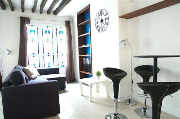 l agence de marseille sp cialiste de la location meubl e marseille l 39 agence de marseille. Black Bedroom Furniture Sets. Home Design Ideas