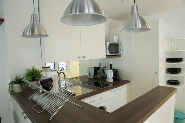 temple vauban grand studio louer meubl pour 4 personnes l 39 agence de marseille. Black Bedroom Furniture Sets. Home Design Ideas