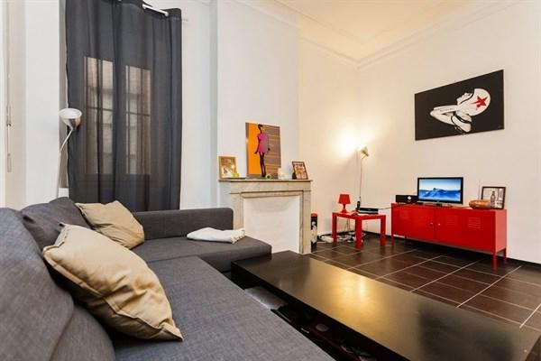 estienne d 39 orves 2 appartement 3 pi ces pour 5 louer deux pas du vieux port l 39 agence de. Black Bedroom Furniture Sets. Home Design Ideas