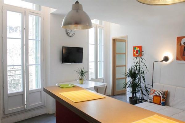 Le prado magnifique appartement de 3 pi ces louer for Location studio meuble marseille