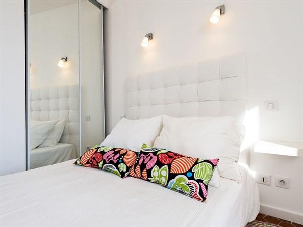Les roches blanches spacieux 2 pi ces louer en meubl for Location meuble court terme