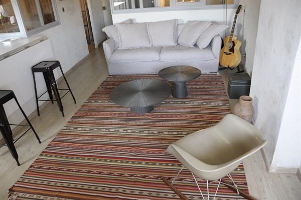 le vieux port charmant appartement de 2 pi ces refait neuf a louer meubl marseille vieux. Black Bedroom Furniture Sets. Home Design Ideas