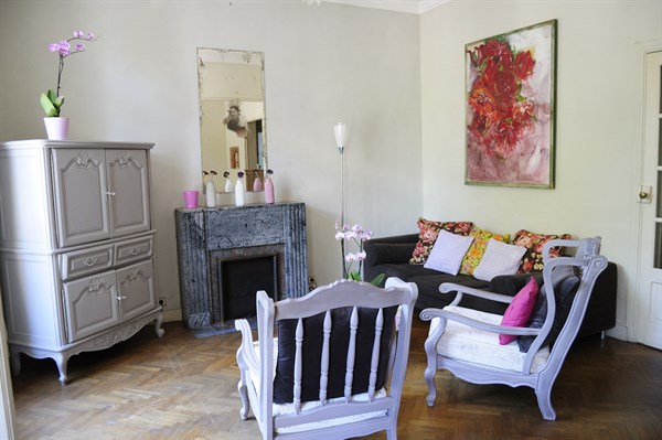 le grand prado appartement familial de 3 chambres avec v randa ensoleill e dans le quartier du. Black Bedroom Furniture Sets. Home Design Ideas