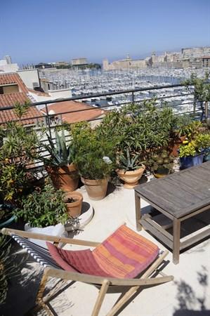 Le penthouse du vieux port splendide penthouse avec 2 chambres et une terrasse sur le vieux - Location meublee amortissement du bien ...