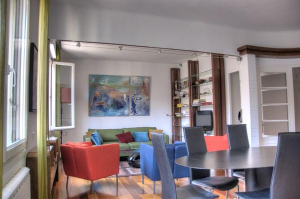 le commandant mages duplex moderne et color avec 3 chambres en face du palais de longchamp. Black Bedroom Furniture Sets. Home Design Ideas